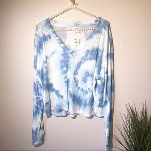 NWT VS PINK Blue  Ribbed Long Sleeve Cropped Tee